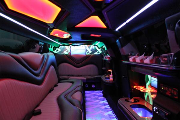 Chrysler 300 Limo Rental Orlando 8 Passengers