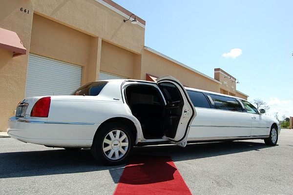 Lincoln Stretch Limo Orlando